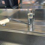 """自称""""混合水栓マイスター""""の寺やん師匠直伝!キッチンの混合水栓をエコタイプのeレバー混合栓へお取替え!"""