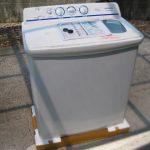 【二槽式洗濯機のお取換え】根強い人気の二槽式洗濯機は汚れ落ちが良いらしい