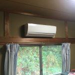 高所作業は怖かったですが、頑張ってエアコンの取替え工事をしてきました!パート2