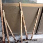 【いいね!サービス】いつもタケノコ堀りに使っている鍬の手入れ